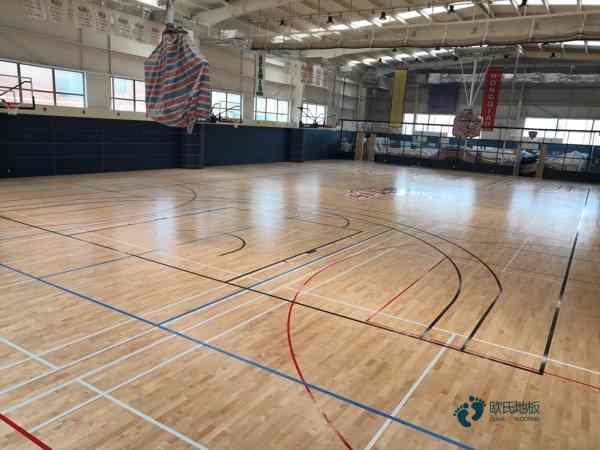 双层龙骨运动型地板如何保洁