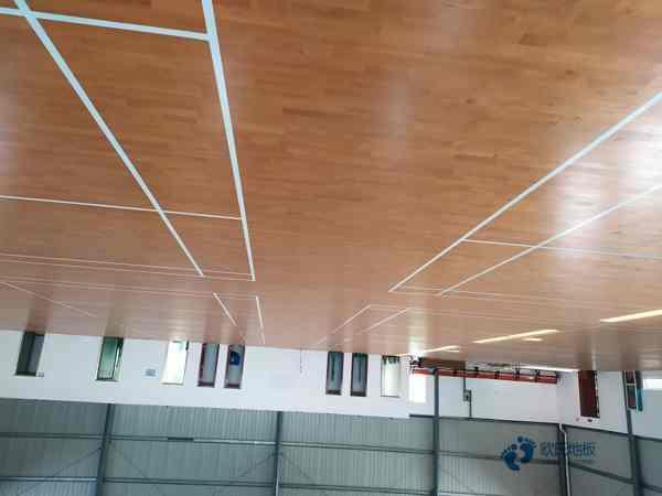 企口篮球地板施工