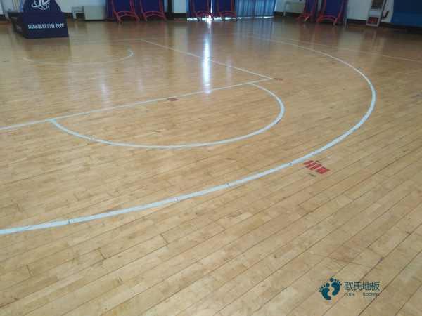 松木篮球馆木地板造价是的多少?