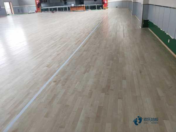 较好的的篮球木地板