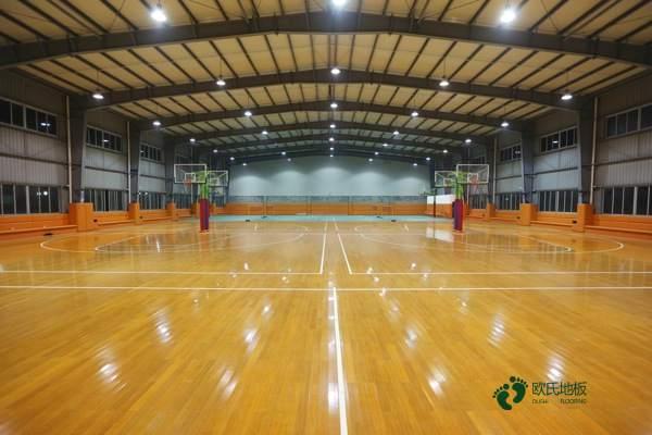 单层体育场木地板