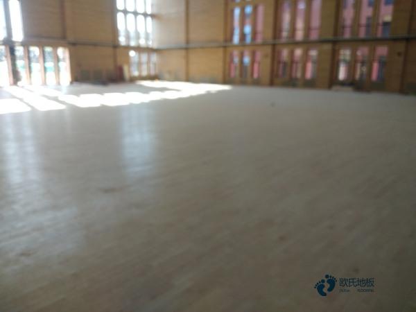五角枫舞台实木地板厂家去哪找?