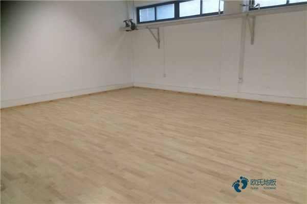 去哪买专业篮球馆木地板