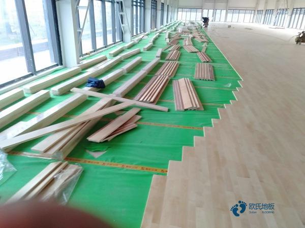硬木企口篮球场地木地板生产厂家