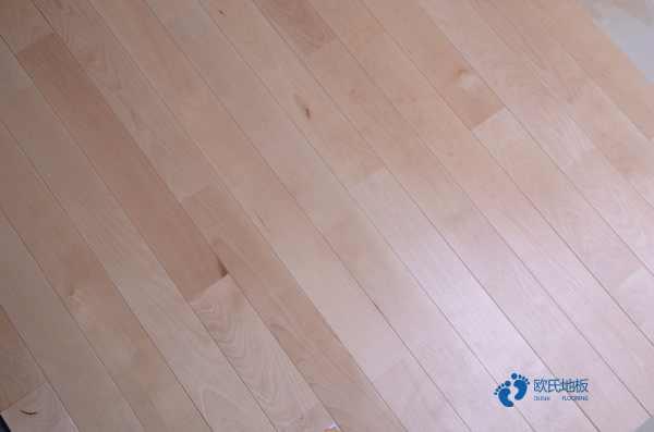 赛事怎么翻新?篮球馆木地板