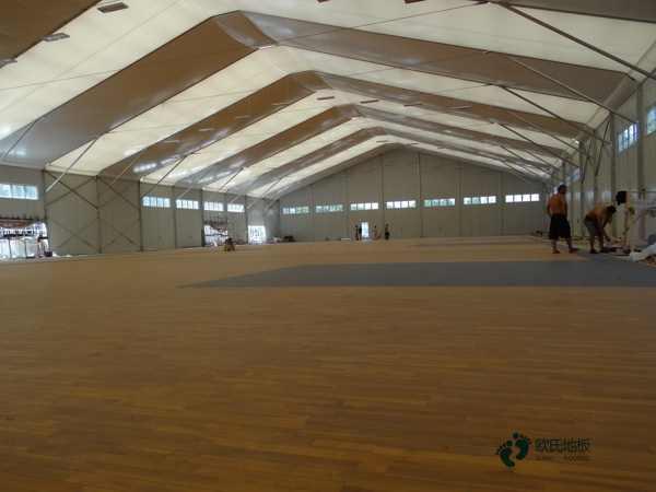 常见的篮球场木地板厂家批发