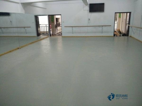 室内篮球馆地板怎么维修