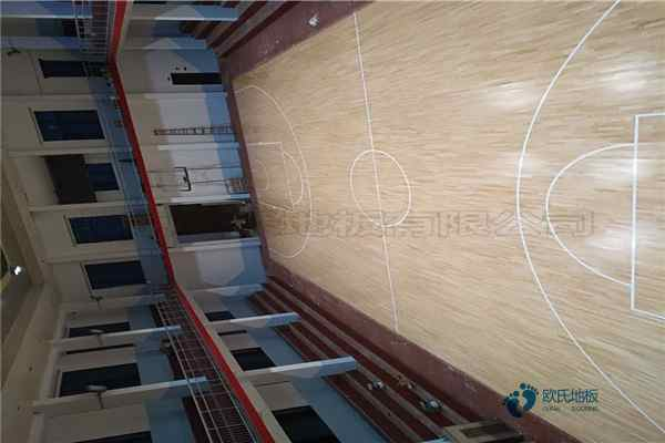 室内体育地板是多少钱
