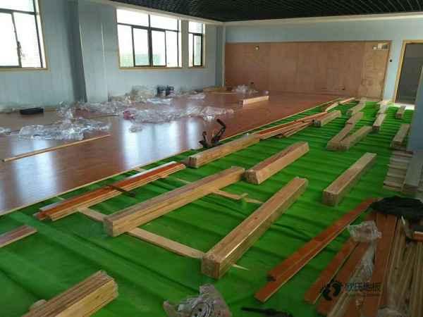 枫木舞蹈房木地板维修