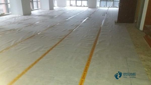 学校篮球场地木地板检测方法
