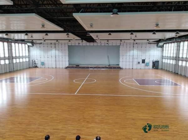 新疆柞木实木运动地板怎么安装