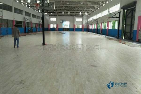 拼接板体育馆实木地板施工技术方案