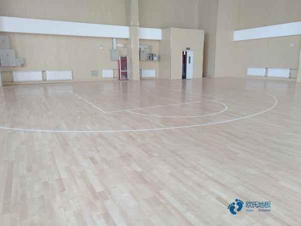 柞木运动体育地板造价是的多少?