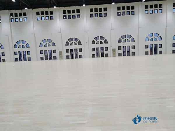 赛事场馆篮球场木地板怎么维修