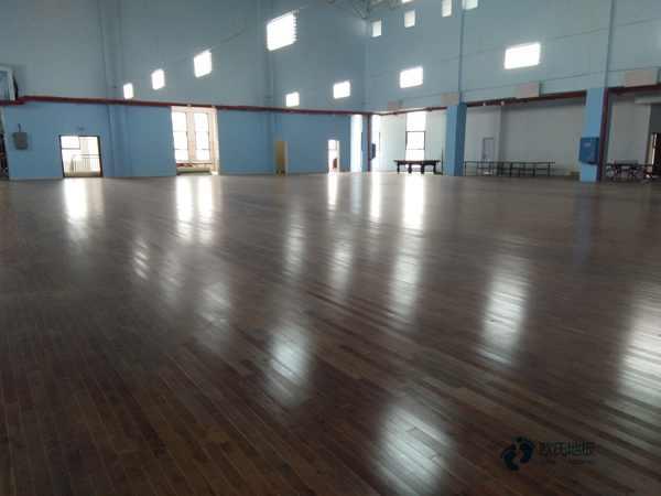 学校篮球场馆地板耐火等级