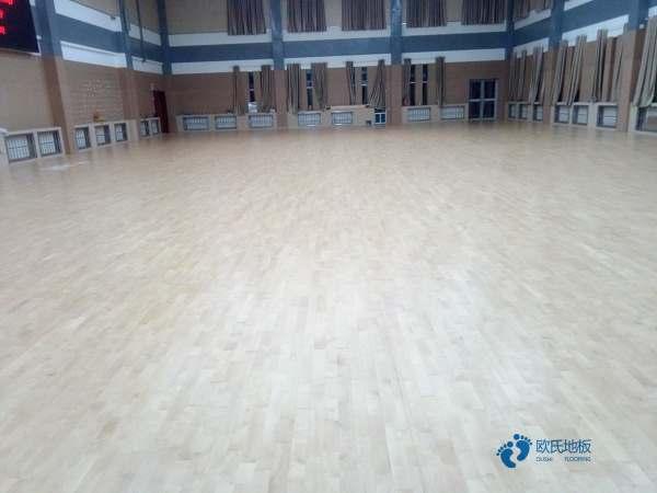 柞木篮球馆地板防潮