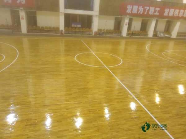大型体育场馆木地板品牌有哪些