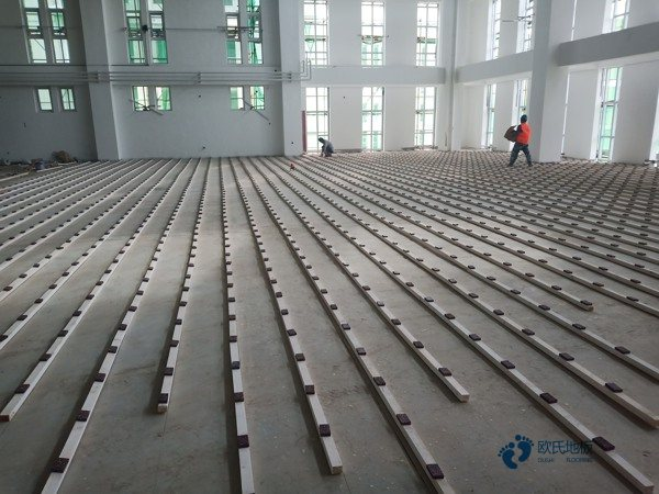 枫桦木运动木地板施工工艺