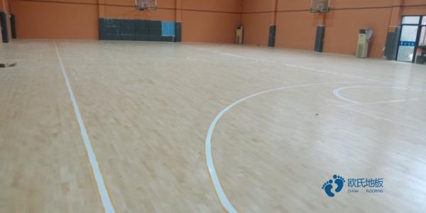 企口篮球场地板多少钱合适