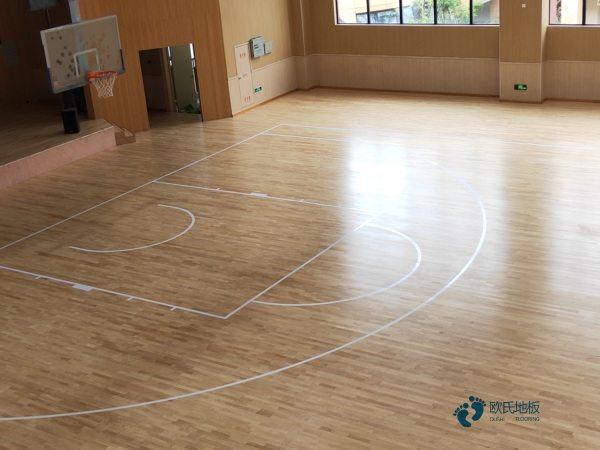 常用的篮球场木地板厂家报价