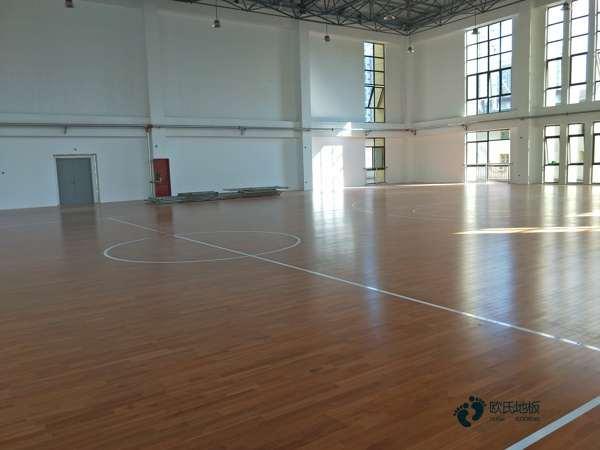 五角枫篮球场地木地板规格