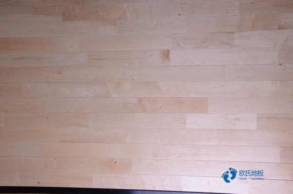 室内木地板划痕