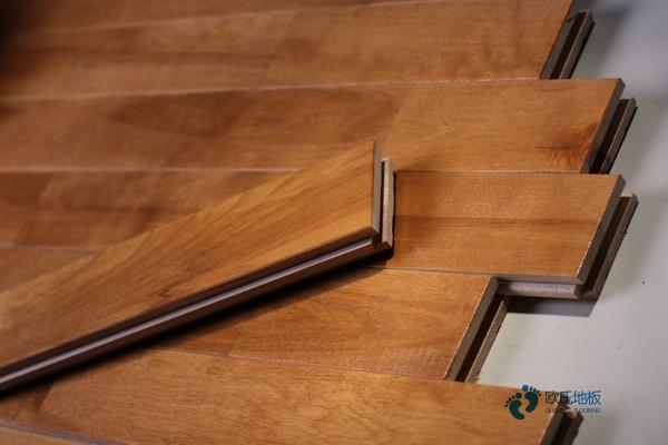 沈阳柞木体育木地板施工