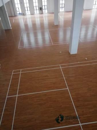 弹性篮球地板