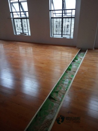 弹性篮球馆木地板