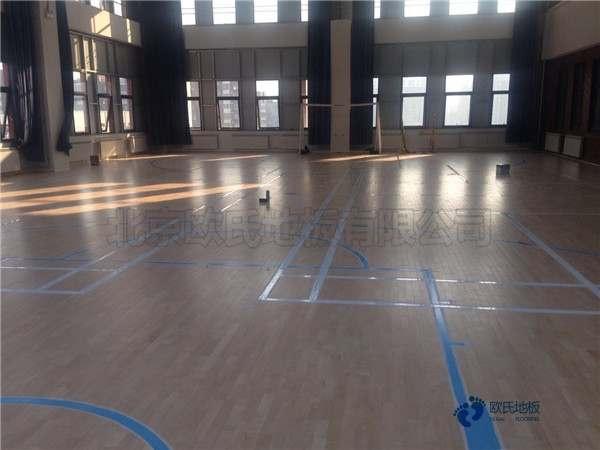 较好的体育馆地板施工工艺
