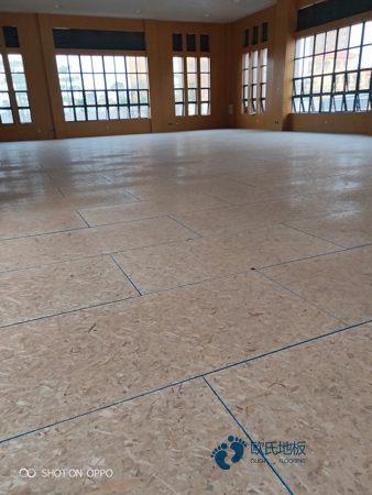 体育木地板大概多少钱