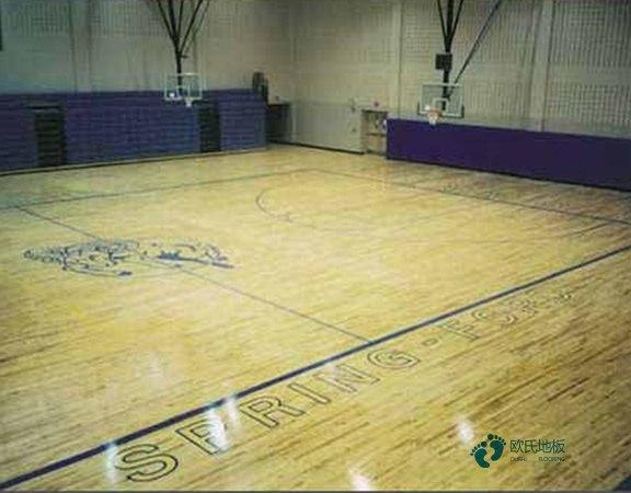 主辅龙骨篮球体育木地板如何保洁