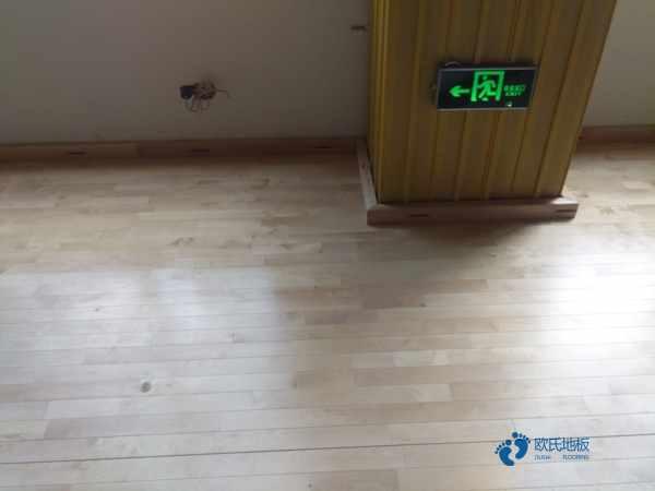板式龙骨体育场馆地板