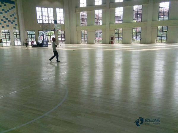 板式龙骨运动型地板
