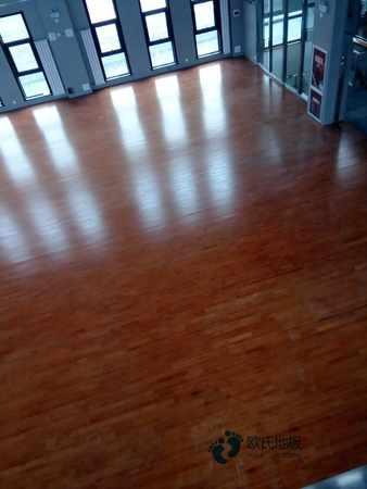 悬浮式篮球馆木地板施工团队