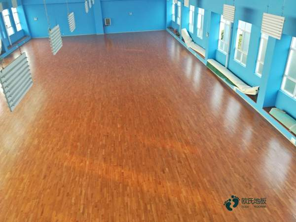 篮球木地板保养