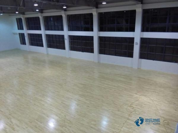 篮球木地板哪个品牌好