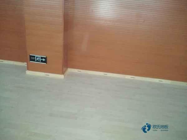 篮球木地板用哪种好