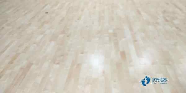 篮球木地板的回弹率