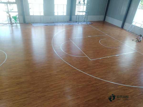 篮球木地板的性能