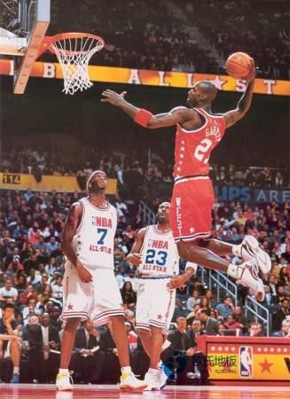 篮球馆木地板是什么时候装