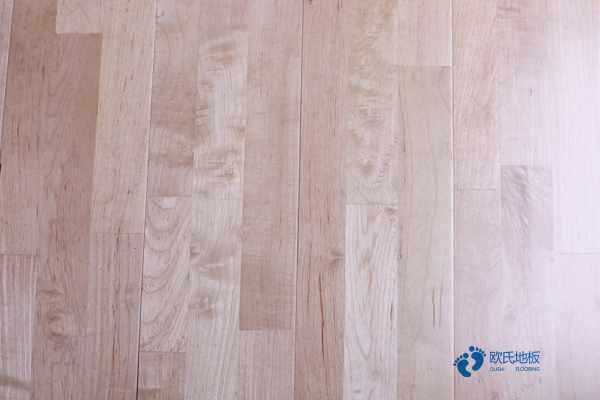 篮球馆木地板用哪种好