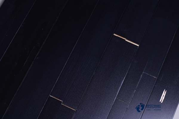柞木篮球场地地板怎么保养