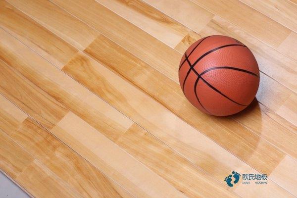 篮球馆木地板耐用吗