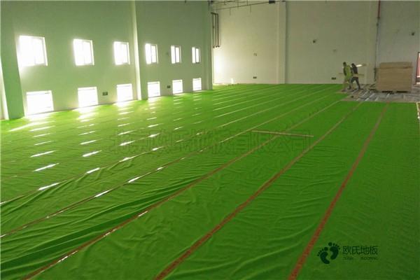 篮球场馆木地板要多少钱
