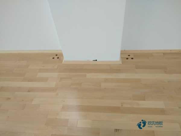 运动场木地板多少钱一平方米