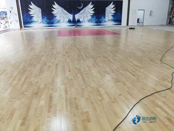 运动型地板价格一般多少钱一平方米