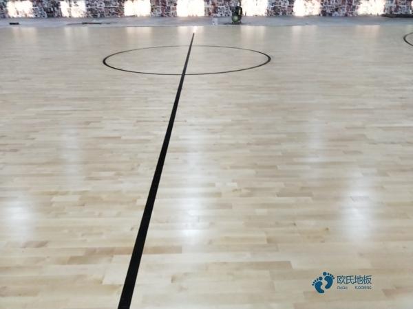 运动型地板价格多少钱