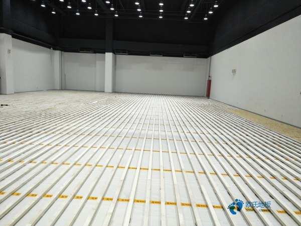 运动型地板要多少钱