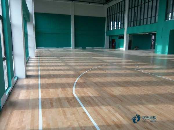 运动篮球木地板更便宜的多少钱一平方米